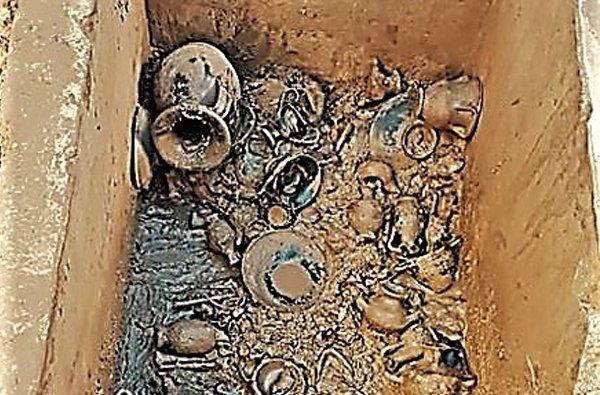 muro lecce tomba messapica